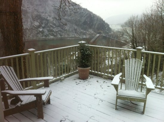 The Ledge House Bed and Breakfast: view from snow covered deck 2