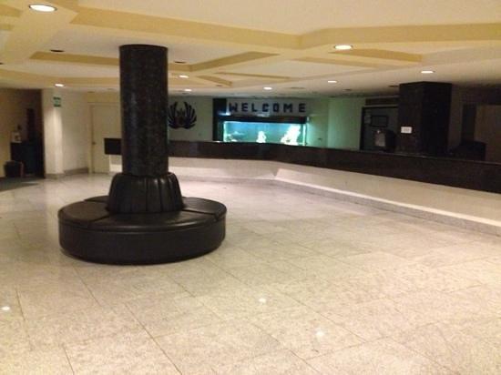 Hotel Corona Plaza Rosarito: lobby
