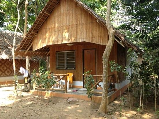 Lanta Coral Beach Resort: our Bungalow for 5nights ;)