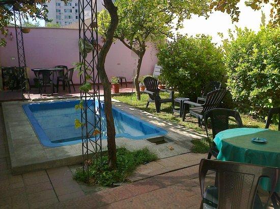 Hostel Estacion Mendoza: patio