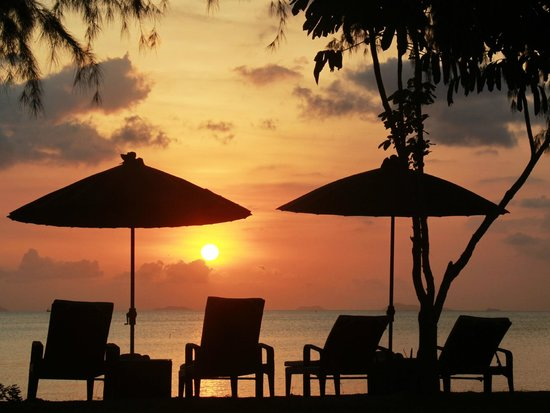 The Siam Residence Boutique Resort: Sunset on the Beach