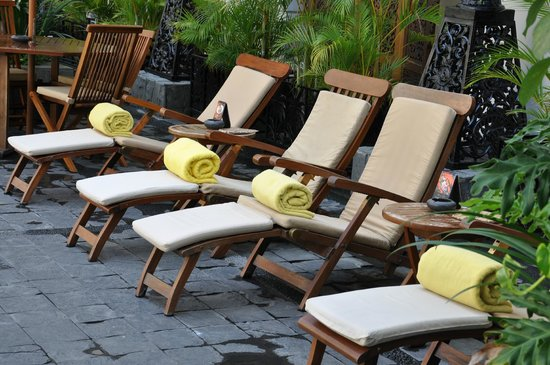 The Phoenix Hotel Yogyakarta - MGallery Collection: Poolside