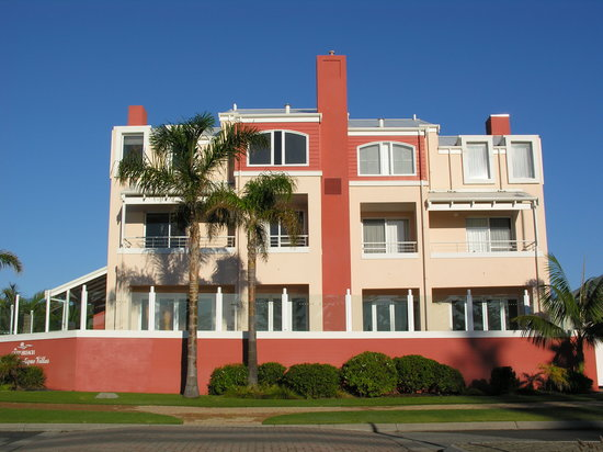 The Castlereagh: Gorgeous Castlereagh right opposite Middleton Beach in Albany