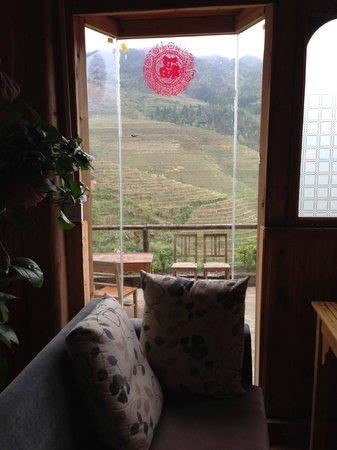 Dragon's Den Hostel: Vistas desde la zona de estar