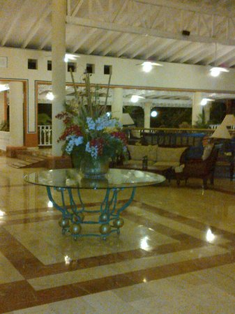 Grand Bahia Principe San Juan: Reception hall centre display