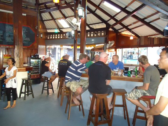 Sea Lodge: Safety Stop Beach side Bar and restaurant