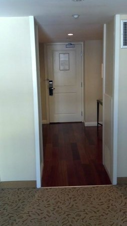 JW Marriott Washington, DC: Hallway to Door