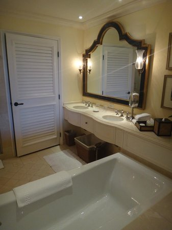 The Sanctuary Hotel at Kiawah Island Golf Resort : Bathroom