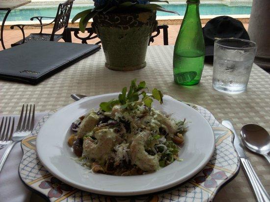 La Casa de Lourdes : Chef Salad for Lunch