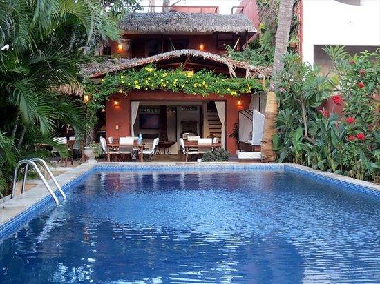 Casa na Praia: piscine petit déjeuner