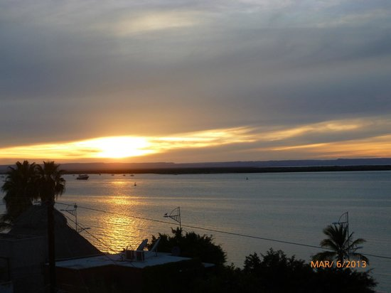 Las Gaviotas Resort: Awesome sunsets everynight