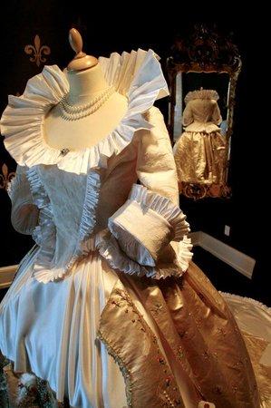 Egeskov Castle: Marie Antoinette dress in the fashion exhibition