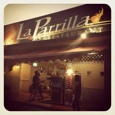 La Parrilla: We drove through the Kiosks and this one had the most vehicles, so we stopped and ate! Great foo