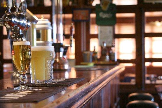 Ryan's Bar & Grill
