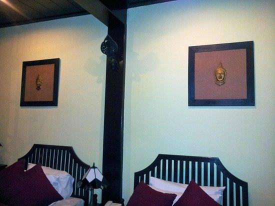 Villa Ban Lakkham : Twin room downstairs