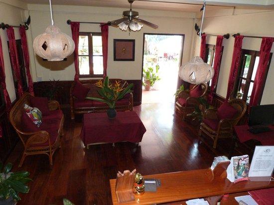 Villa Ban Lakkham: Hotel reception