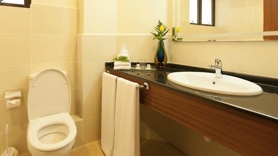 Waridi Paradise Hotel and Suites: Well finished bathrooms