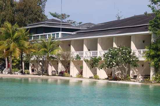 Plantation Bay Resort And Spa: Rooms with access to the swimming area