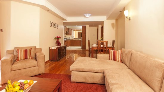 Waridi Paradise Hotel and Suites: Spacious living rooms