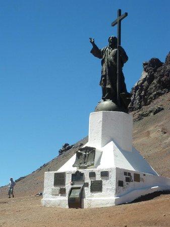 El Camino de las 365 Curvas: Cristo Redentor At The Top