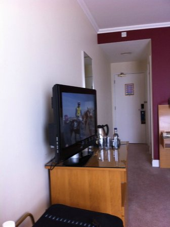 Hilton Northampton: Room 209