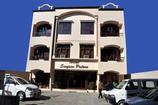 Hotel Sanjeev Palace