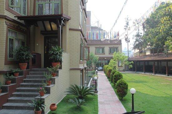 Shambaling Boutique Hotel: 庭院