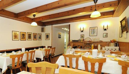 Waldhotel Unterbach : Frühstücksraum