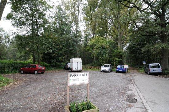 Waldhotel Unterbach : Parkplatz