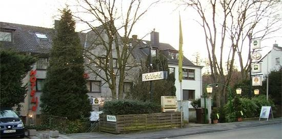 Waldhotel Unterbach : Straßenansicht