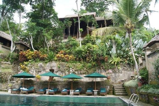 Pita Maha Resort and Spa: view up to restaurant
