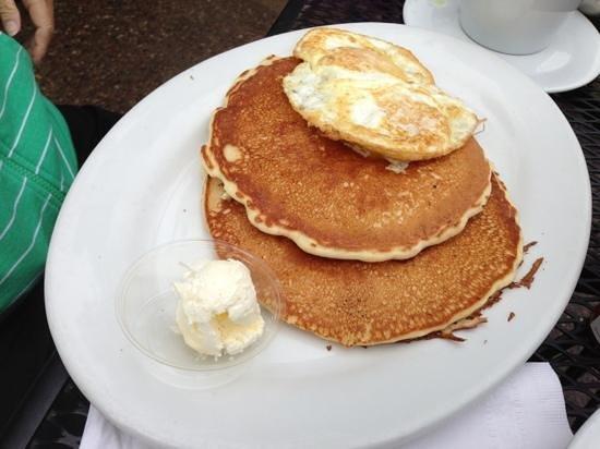 The Little Pear : lumber jacks pancake stacks