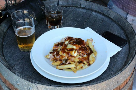 Kelly's Bar and Kitchen: Poutine at Kelly's