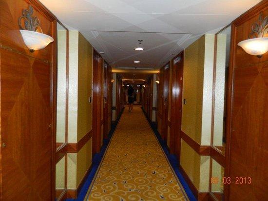 Kimberley Hotel: Hall way