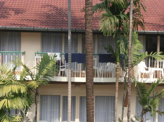 Horizon Patong Beach Resort & Spa: Viewe outside balcony