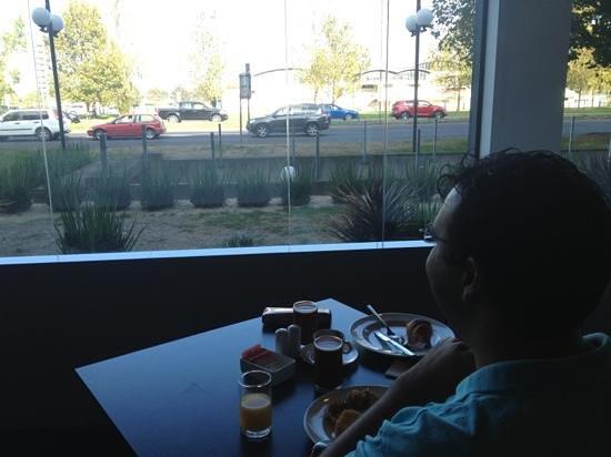 بولمان ميلبورن ألبيرت بارك: breakfast view