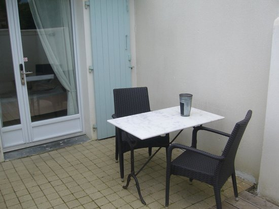 "Hotel Restaurant & SPA Plaisir : Le ""salon en teck"""