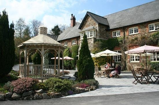 The Edgemoor Country House Hotel: friendly inviting hotel!