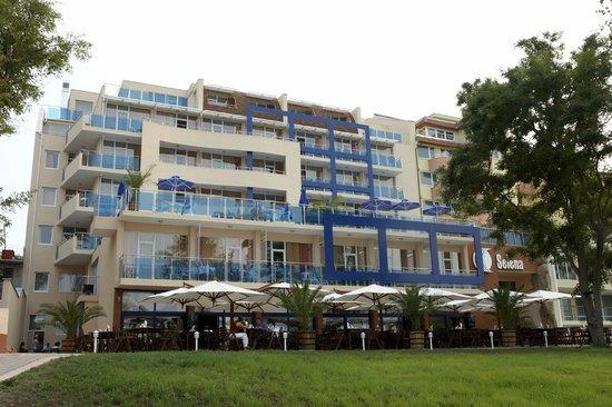 Hotel Selena: Hotel`s facade