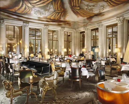 restaurant le dali paris louvre palais royal. Black Bedroom Furniture Sets. Home Design Ideas