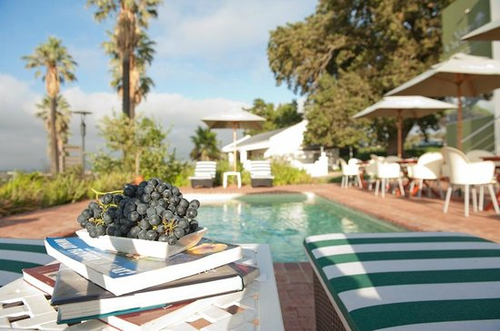 Val Du Charron Wine & Olive Estate Guesthouse: Pool area