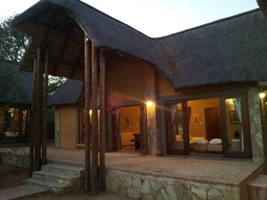 Hoedspruit Wildlife Estate: Biiiig patio