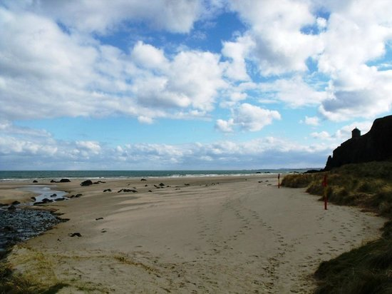 Downhill Beachhouse: praia
