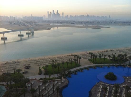 Atlantis, The Palm: sunrise