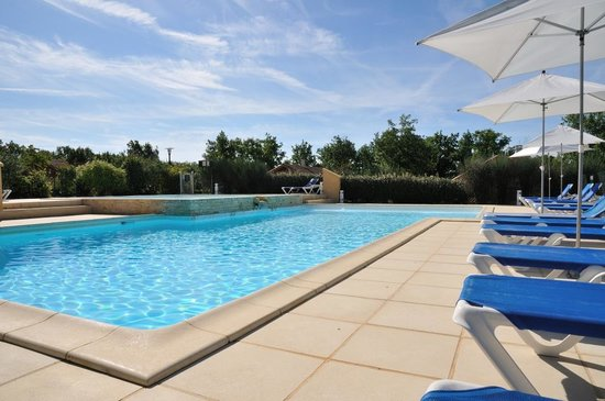 Residence souillac golf country club resort lachapelle for Club piscine plus cppq laval