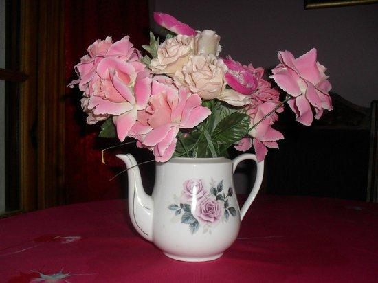 Hatcher's Manor: Roses teapot flower vase in our room