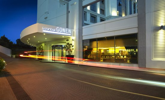 Istanbul Gonen Hotel: Hotel Enterence