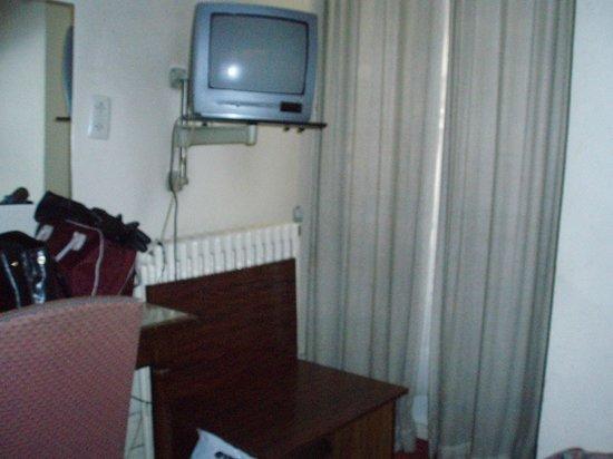 Manhattan Hotel: съемка от стены с кровати