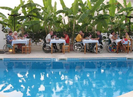 Hotel Rolli : pool