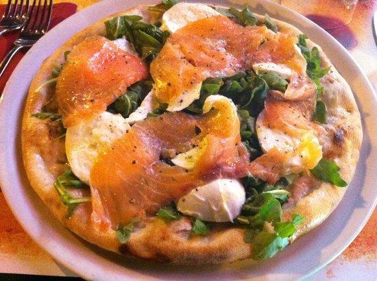 Rigatoni Restaurant and pizzeria: Pizza Fantasia